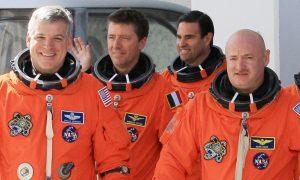 170824184517 astronauts endeavor april 2011 780x439 300x180 - tech