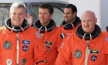 170824184517 astronauts endeavor april 2011 780x439 450x270 - tech