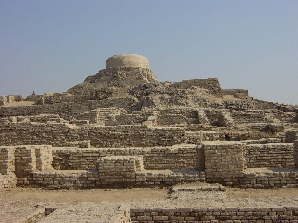 Archaeological Ruins at Moenjodaro 108221 1024x768 - curious