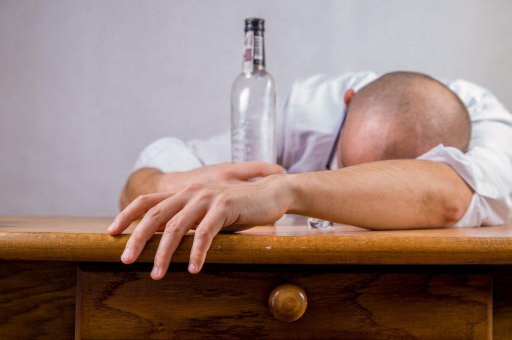 alcohol hangover event death 52507 Medium 1024x681 - curious