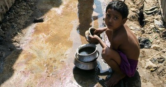 pakistani kid dirty water - curious