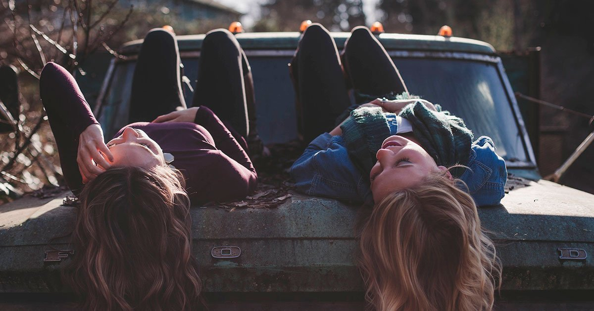 10 Reasons Your Big Sister Is The Best Person In Your Life - curious