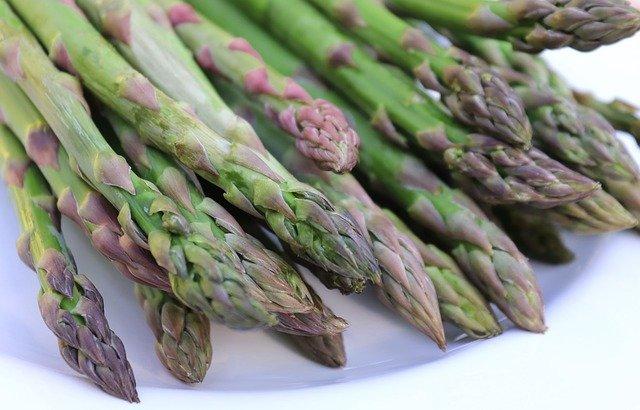asparagus 3342144 640 - health