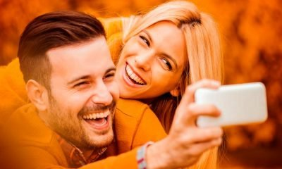Heres Why Happy Couples Post Less About Their Relationships On Social Media 400x240 - relationships